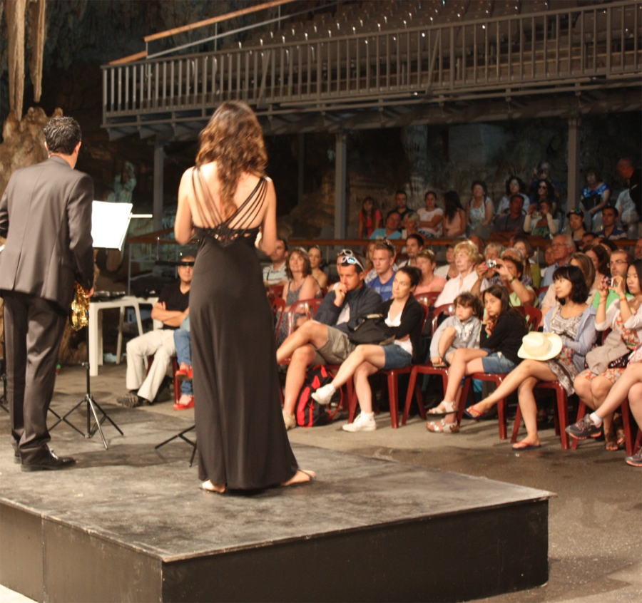 Concert met tribune