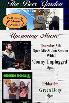 Nerja Beer Garden Green Dogs em Johnny Unplugged